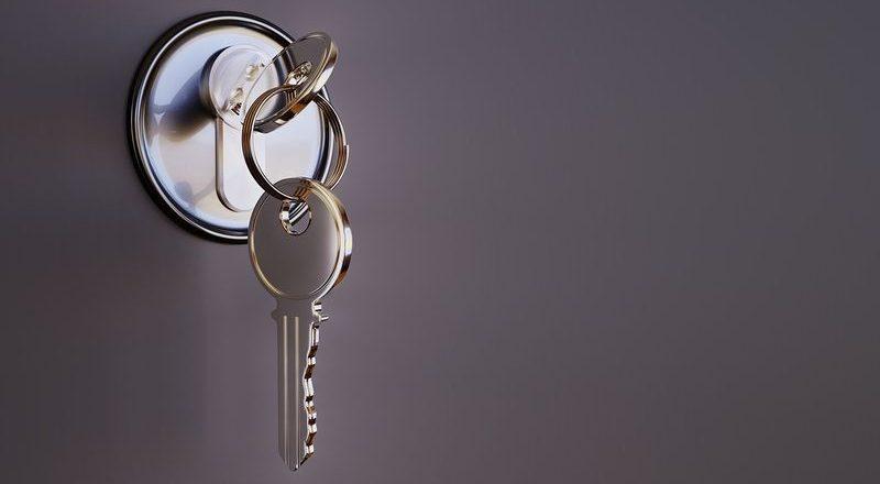 Naprawa zdalnych kluczyków samochodowych, od bram i innych